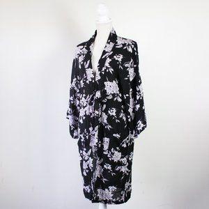 Maya Kimono in Black/Grey/White Floral